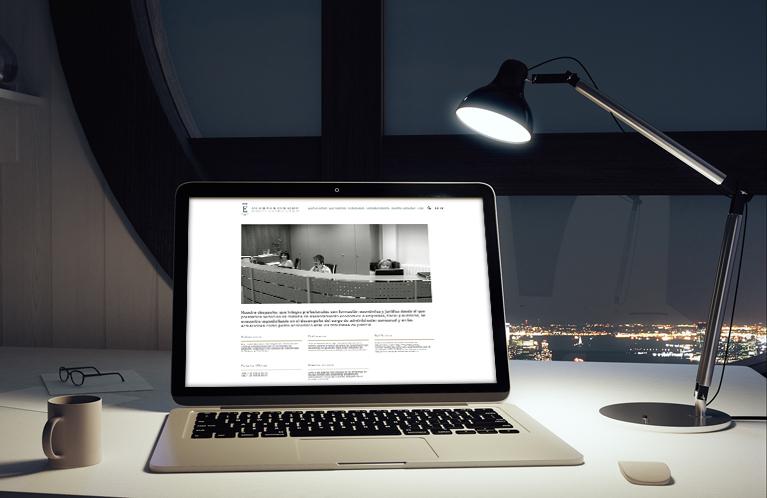 Página web Auditores y consultores Escobosa Asociados. Calle Mayor Comunicación y Publicidad